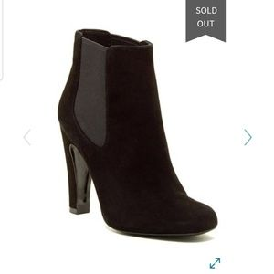 Vince Camuto black suede ankle boots LIKE NEW